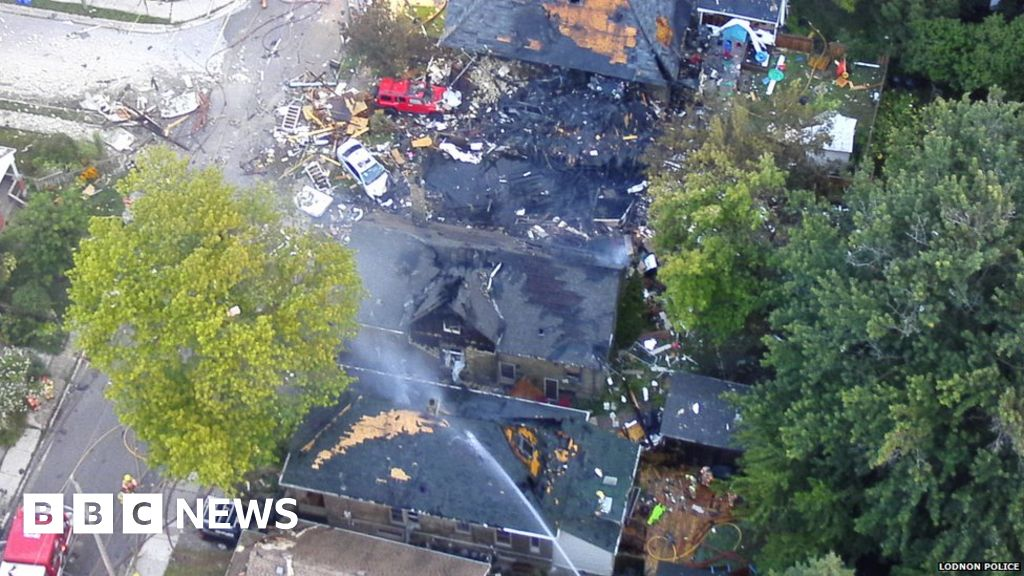 Huge explosion after car crashes into house