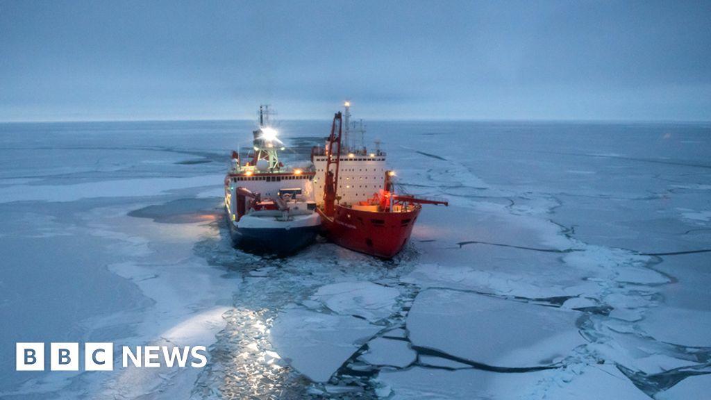 "Climate change: ice-breaker ""Polarstern"" begins-year-old Arctic drift"