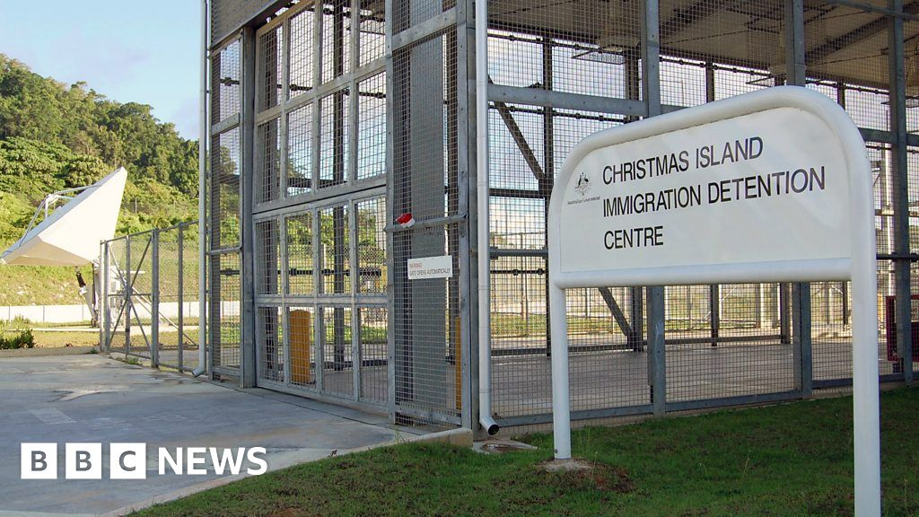 A local politician says re-opening the detention centre is political scaremongering. - BBC News