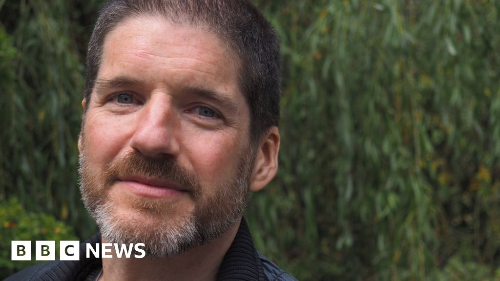 charlie adlard Charlie adlard discusses the walking dead's current arc, updates the progress on his and robert kirkman's the passenger and more.