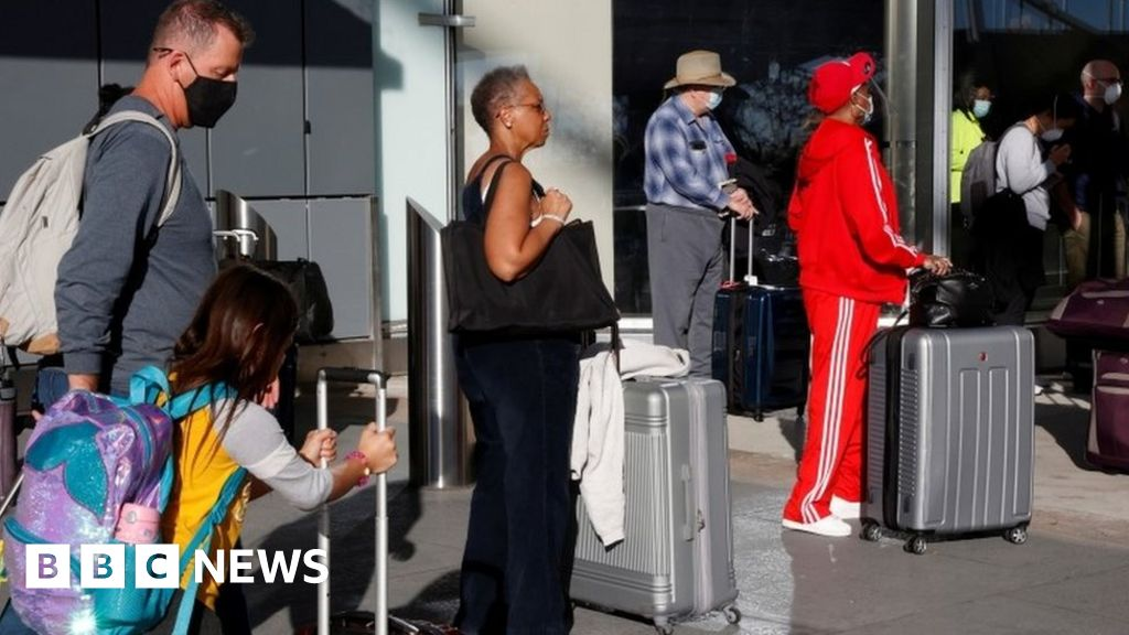 Coronavirus: Millions travel for Thanksgiving despite warnings