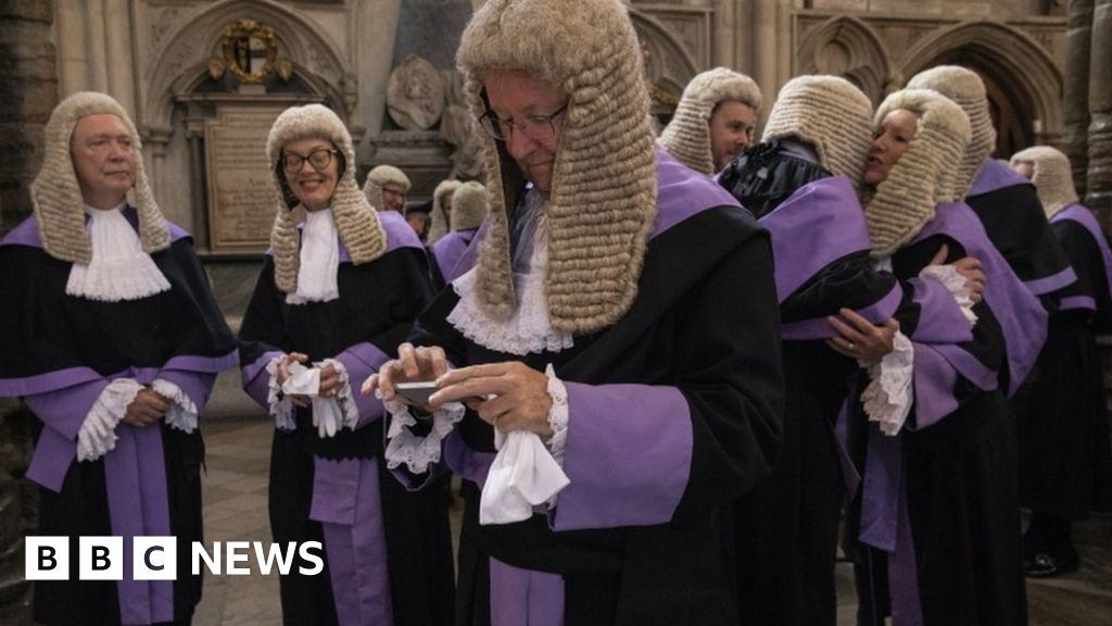 Judges could get pay rise of up to £60,000
