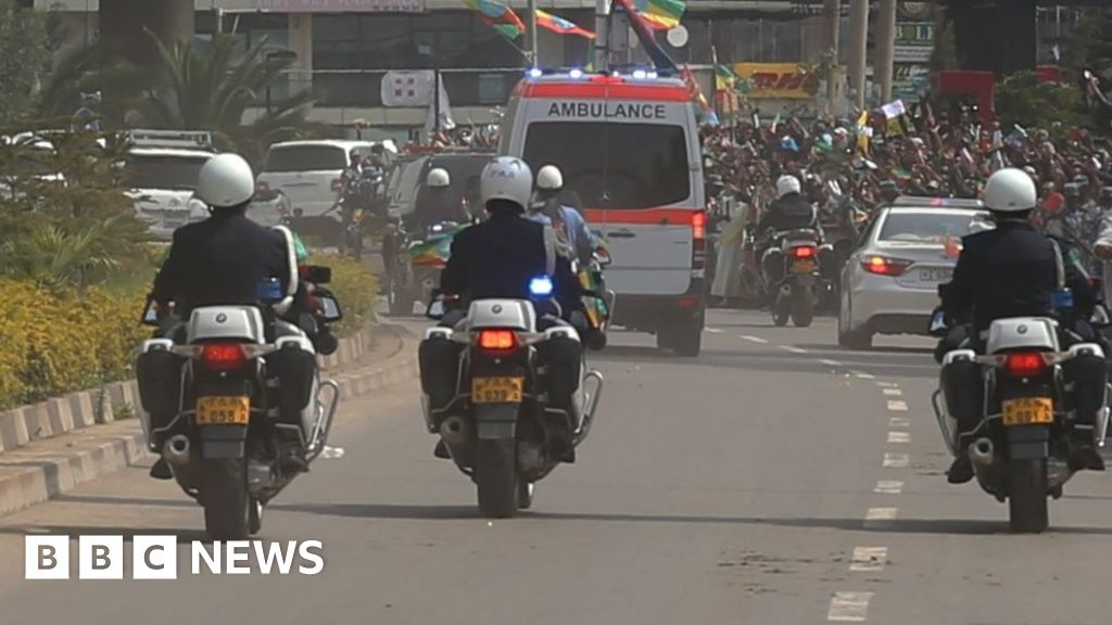Ethiopian capital bans motorbikes to curb crime - BBC News
