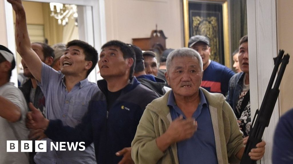 Kyrgyzstan troops storm ex-president's home thumbnail