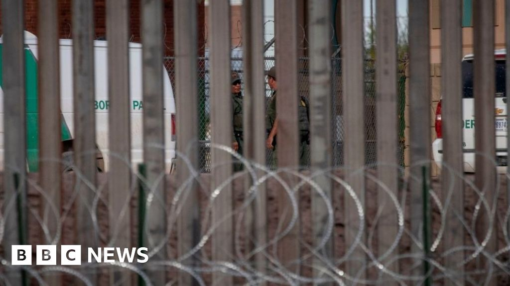 'Dramatic' rise in Africans arrested at US border thumbnail