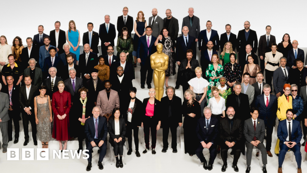 Oscars 2020: Ten things we spotted in the class photo51265191