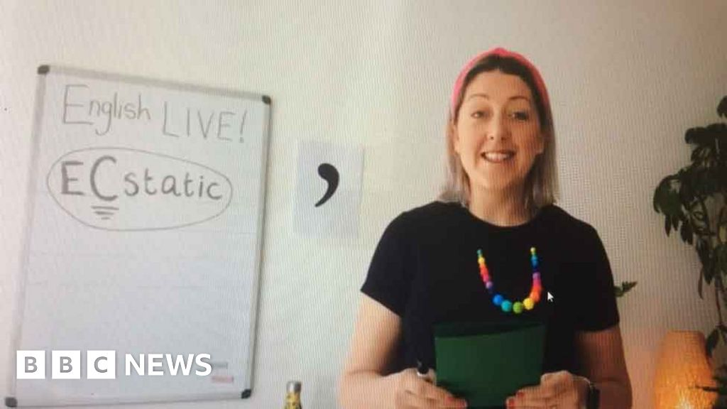English teacher's Facebook lessons an 'overwhelming' success