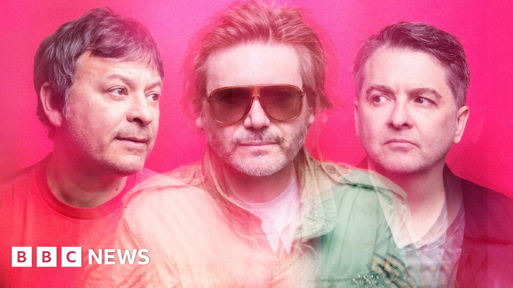 Manic Street Preachers: Welsh rock band beat Steps (again) to top album charts