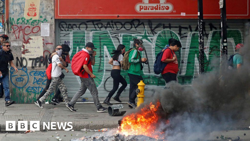Chile cancels climate and Apec summits amid mass protests