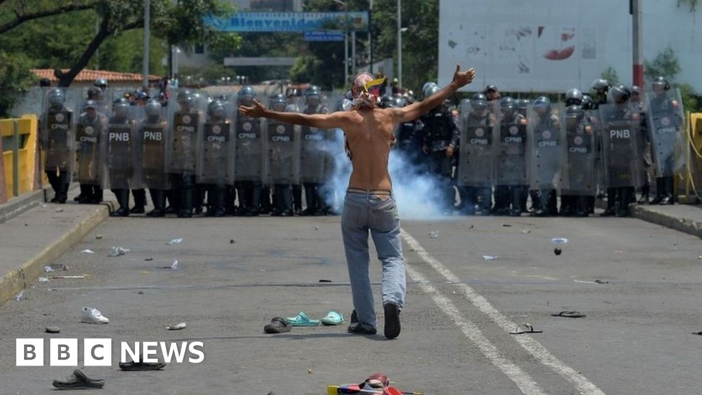 UN accuses Venezuela of using death squads thumbnail