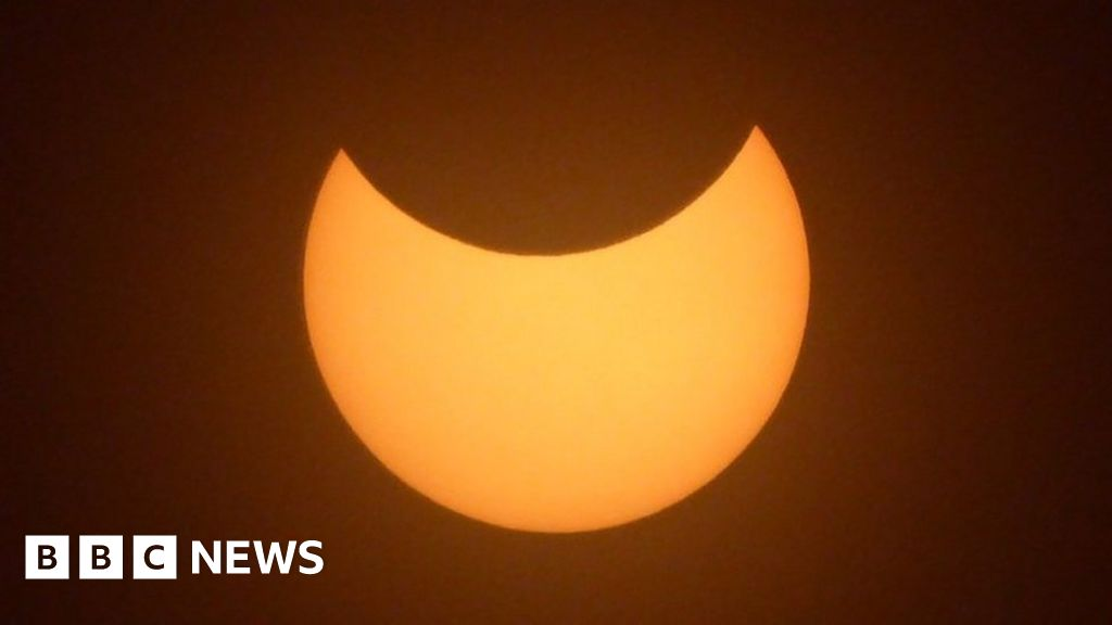 In pictures: Solar eclipse as seen from the UK