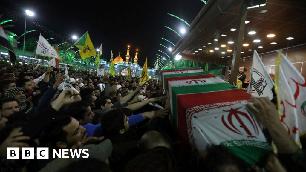 Qasem Soleimani: blasts hit the Baghdad area, as Iraqis mourn Iranian general