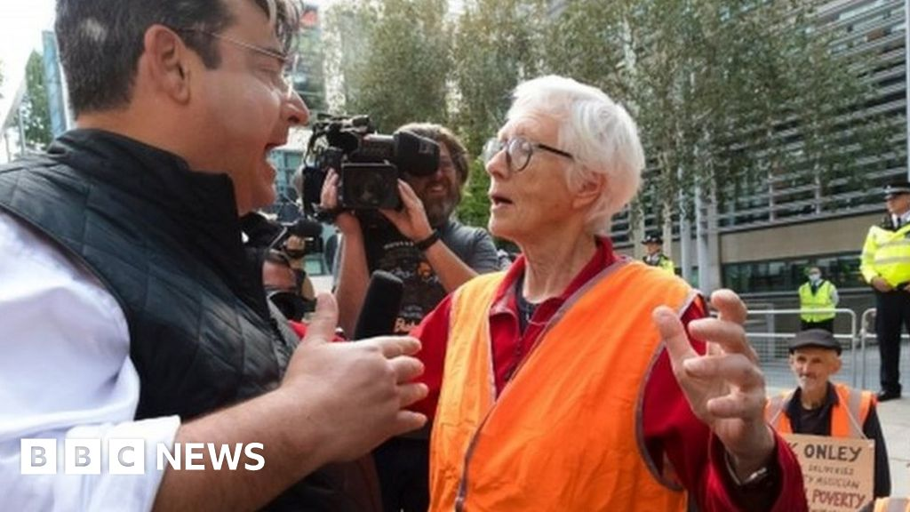 Insulate Britain: Climate protester, 82, prepared to go to jail