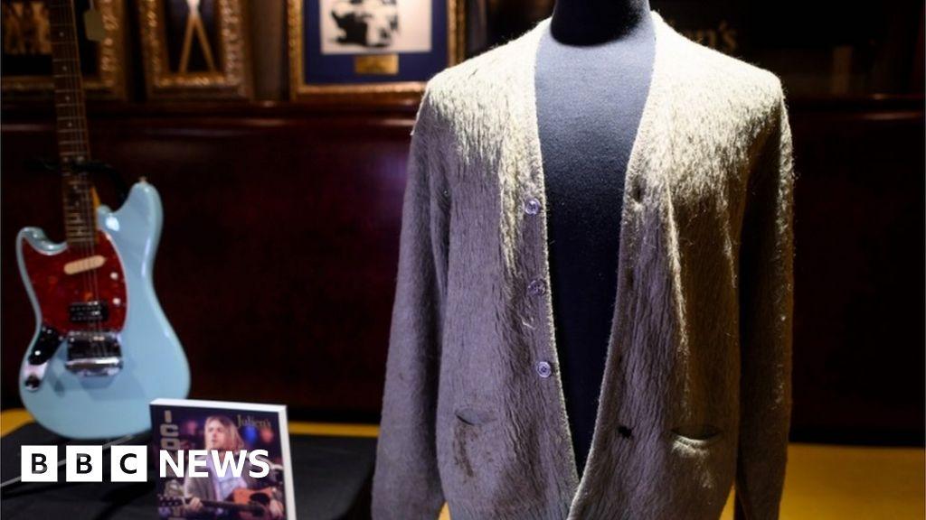 Kurt Cobain cardigan sells at auction for $334,000 BBC News