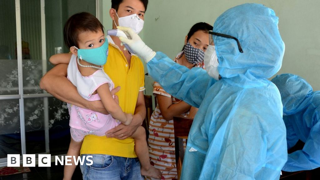 Coronavirus: Vietnam alarm after first cases in months thumbnail