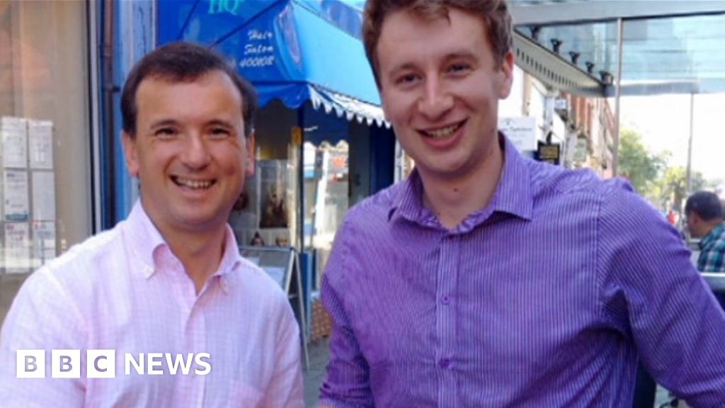 Ross England row: 'Difficult' for Alun Cairns to lead campaign thumbnail