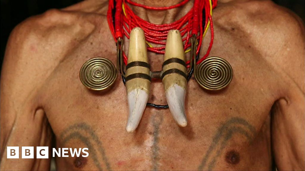 f1031ce58 The dying art of headhunting tattoos - BBC News