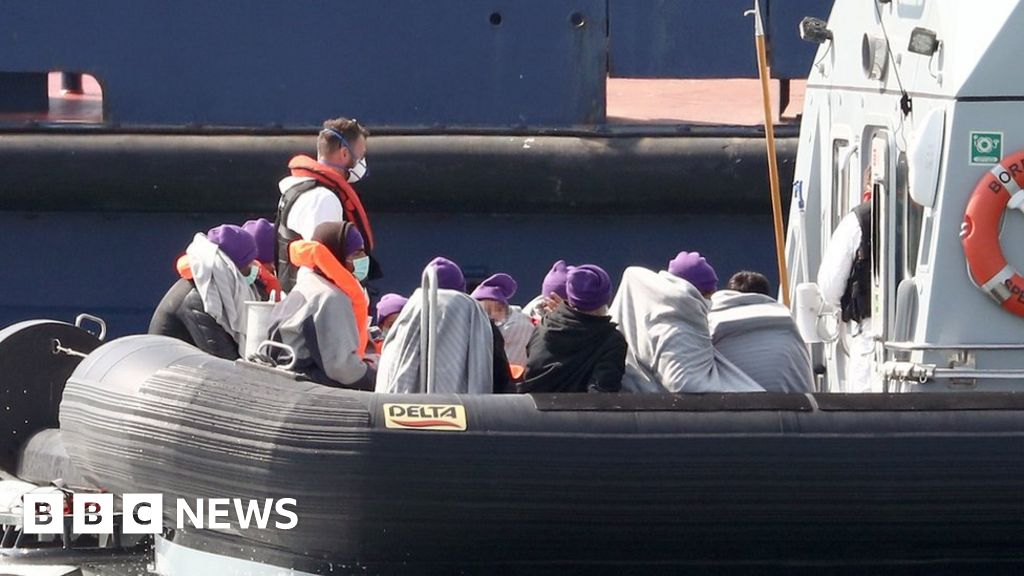 Three boats with 35 migrants, intercepted channel