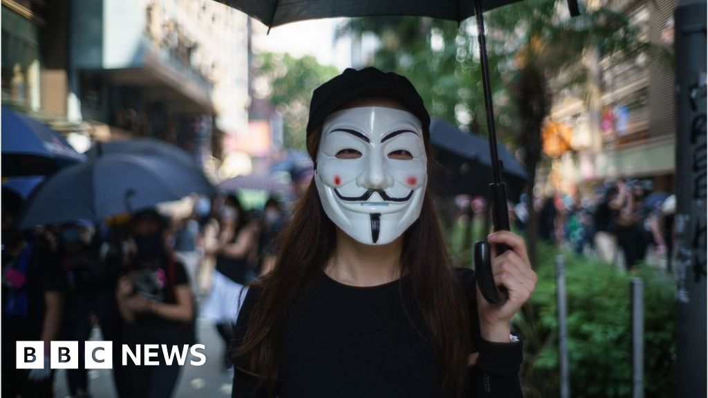 Hong Kong protests: Authorities to announce face mask ban