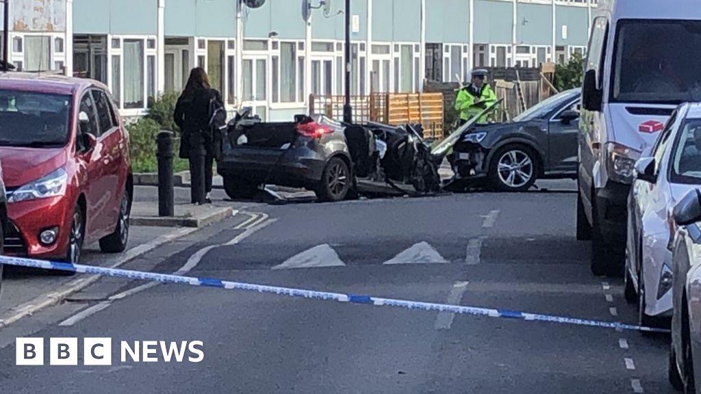 Southwark police car crash: Four officers injured