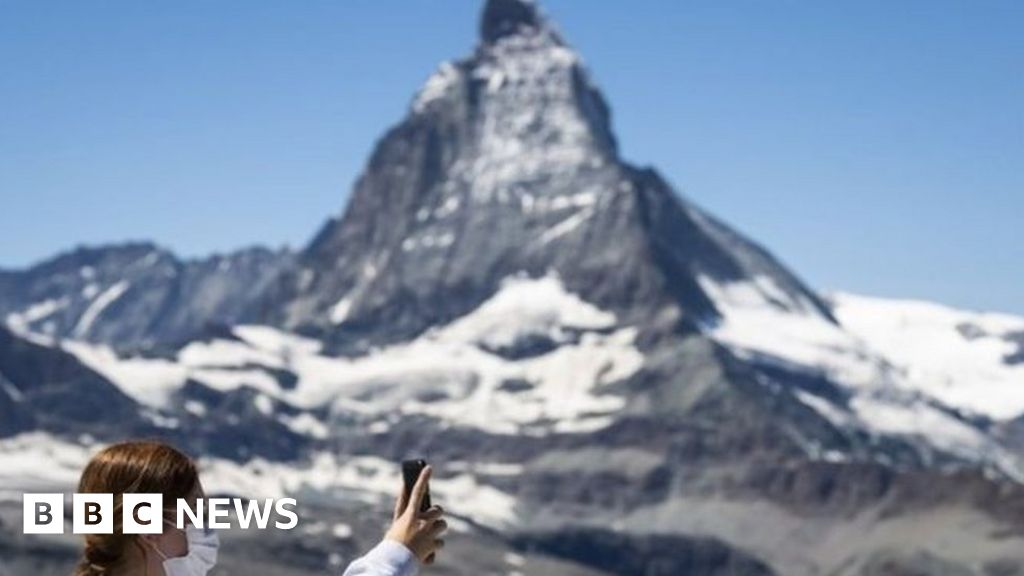 Coronavirus: Switzerland on quarantine list and Man Utd star tests positive