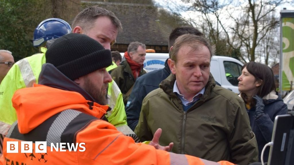 Flooding response defended during minister's visit