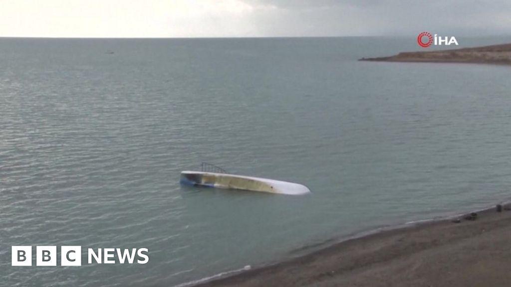 Migrant crisis: Seven die as boat sinks in Turkey s Lake Van