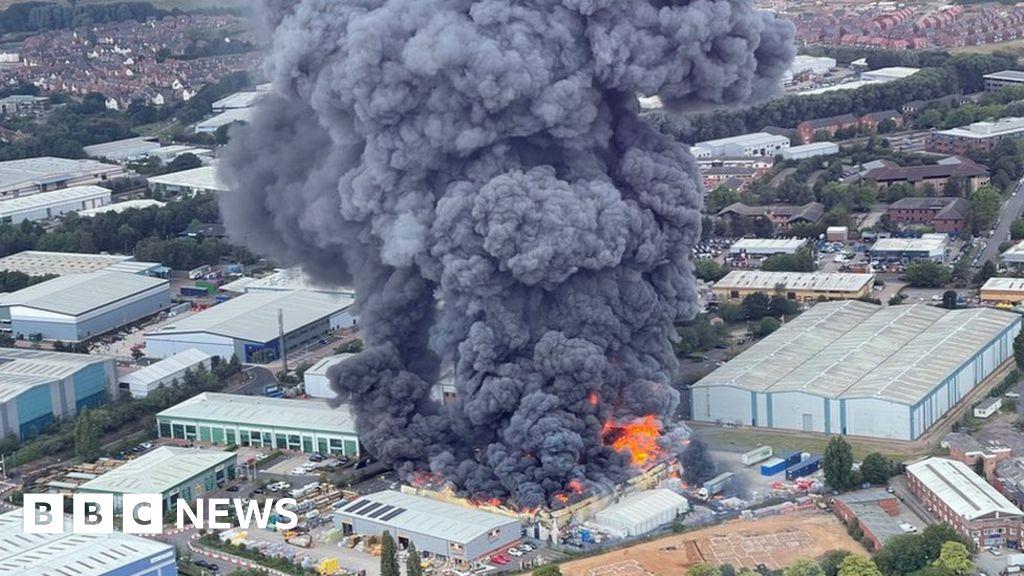 Leamington Spa fire: Fallen debris warning at site of industrial blaze