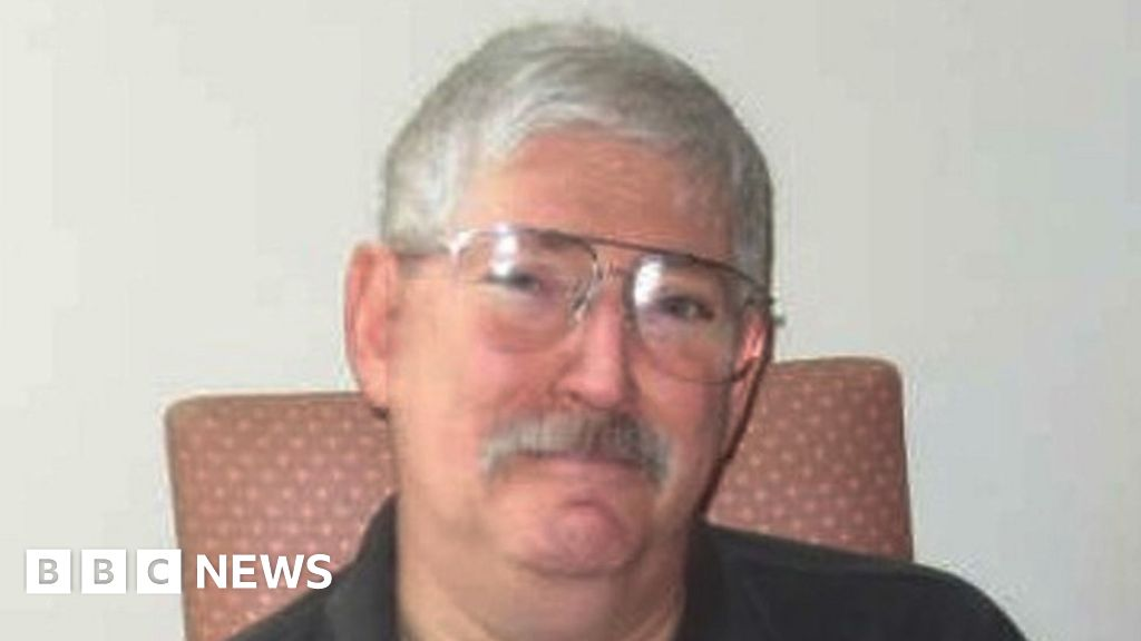 US hostage Levinson has died in Iran, says family thumbnail