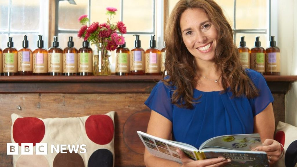 'Scammer cloned my business on Instagram'