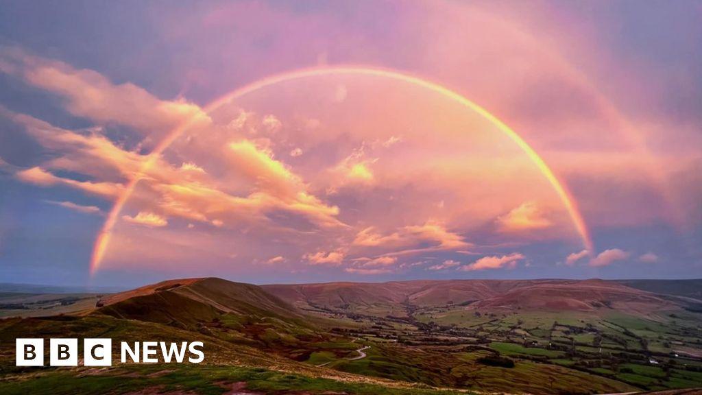 Peak District photographer captures  one in a million  rainbow shot