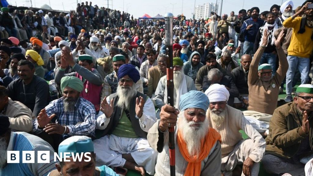 India protests: Internet cut to hunger-striking farmers in Delhi