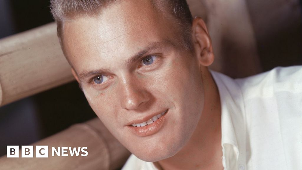 Tab Hunter: 1950s Hollywood idol who hid his sexuality dies at 86
