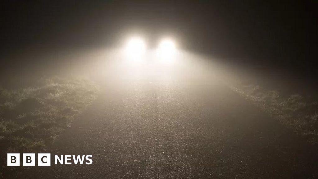 RAC says new headlights 'blinding drivers' - BBC News