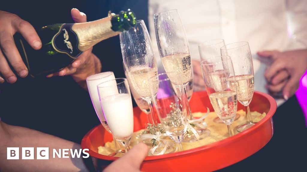 4d2995909d2 Can prosecco ever be hangover-free? - BBC News