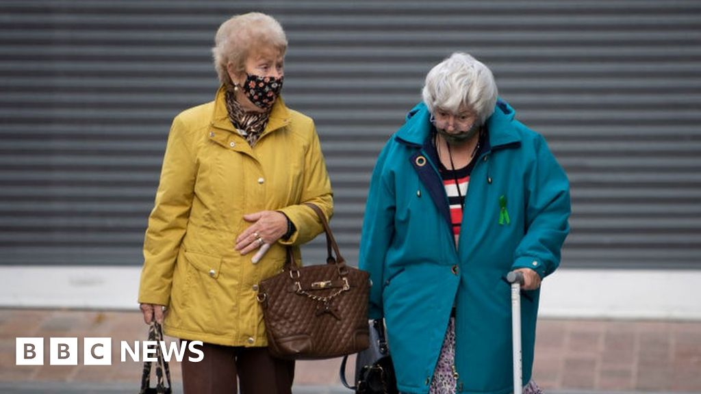 Covid: UK must prepare for 'hard winter' of flu - expert - BBC News