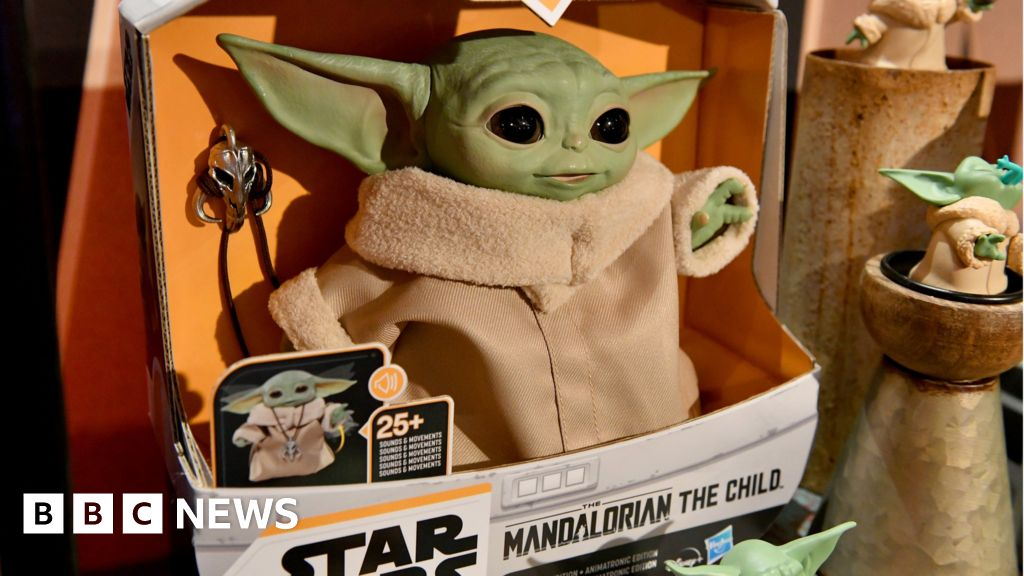 Inside Disney S Rush To Deliver Baby Yoda Toys Bbc News