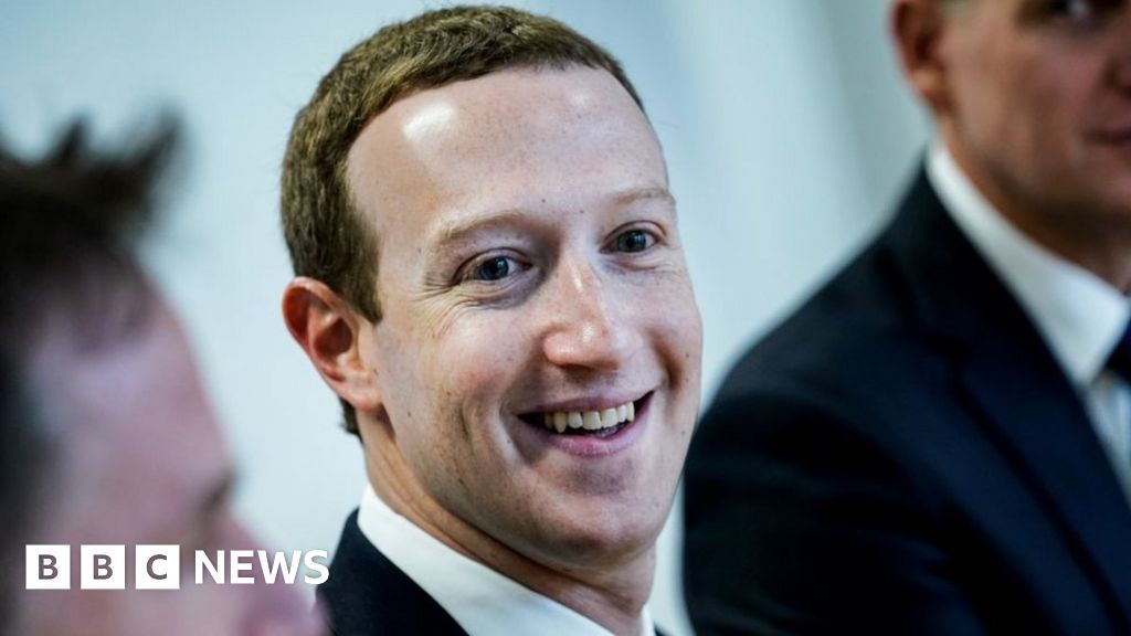 Advertisers strike social media deal over hate speech