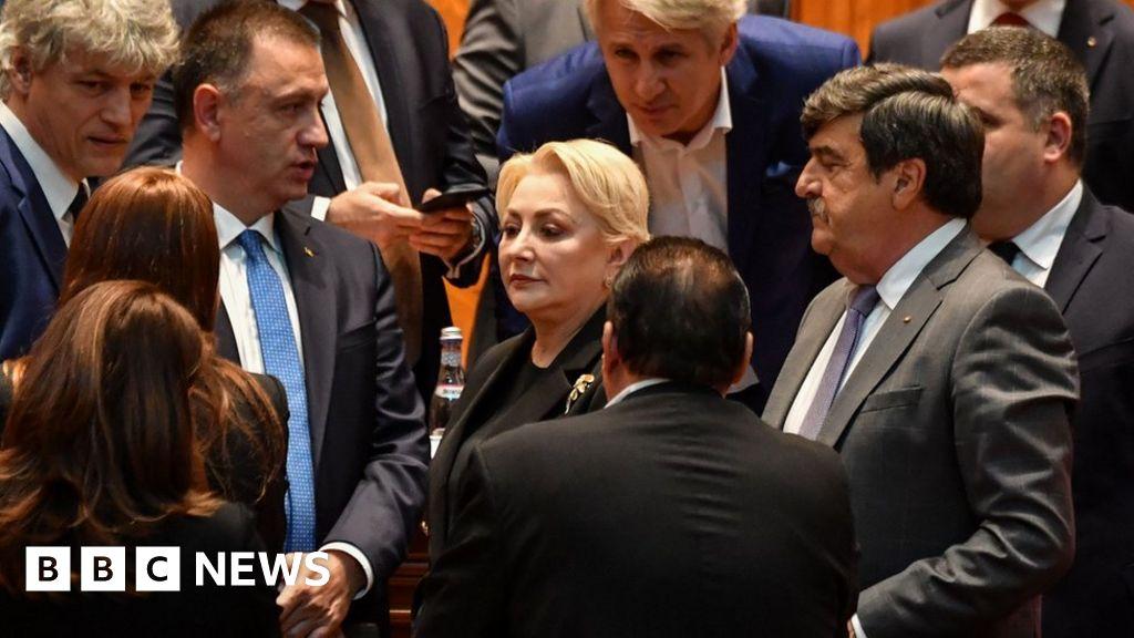 Romania's government falls in no-confidence vote