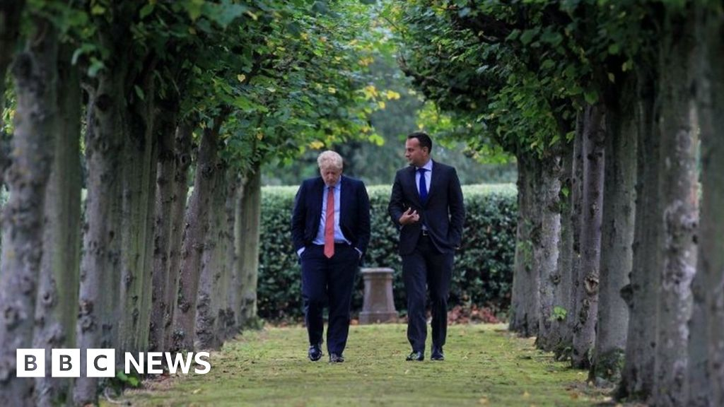 Johnson and Varadkar 'can see pathway to a deal'