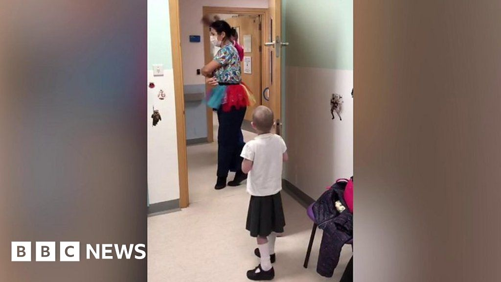 Ballet surprise for young cancer patient Izzy Fletcher