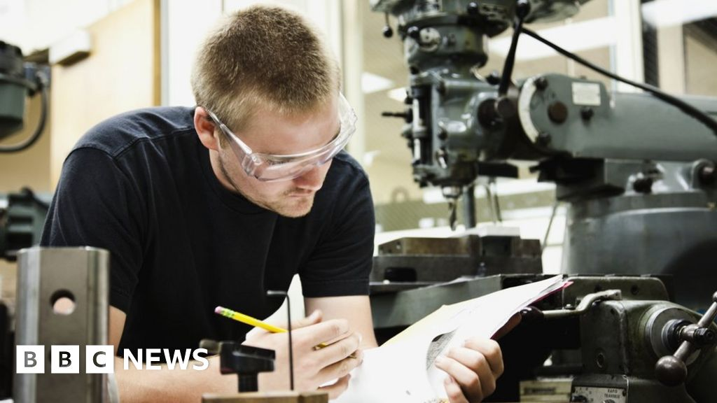 Covid: Colleges face losing tens of millions of pounds