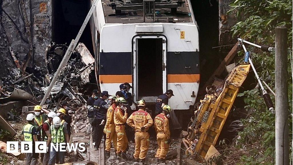 Taiwan train crash: truck heads 'deep regret'