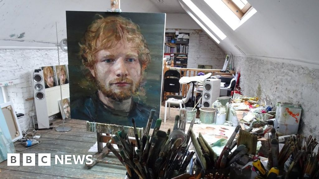 Ed Sheeran 'coming home' exhibition curated by dad - BBC News