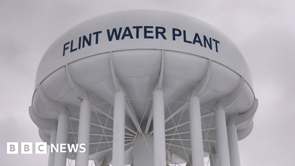 Flint water crisis: Michigan charges ex-governor Rick Snyder