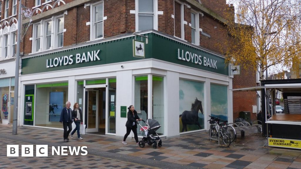 Lloyds Bank | Starting a Business | For Your Next Step