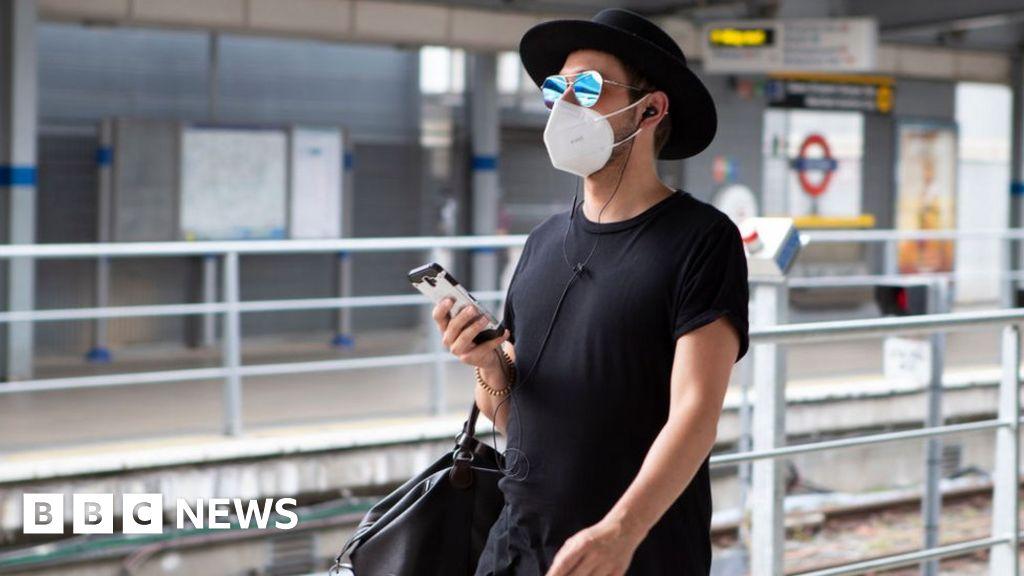 "Coronavirus: Deadly masks"" claims debunked"