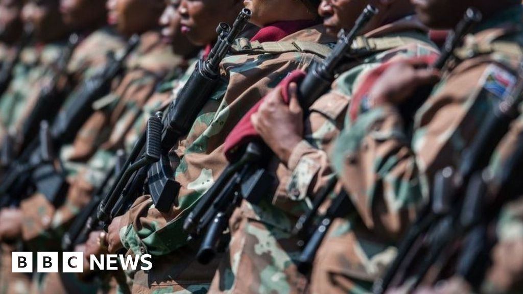 Army deployed to deal with South Africa gangs