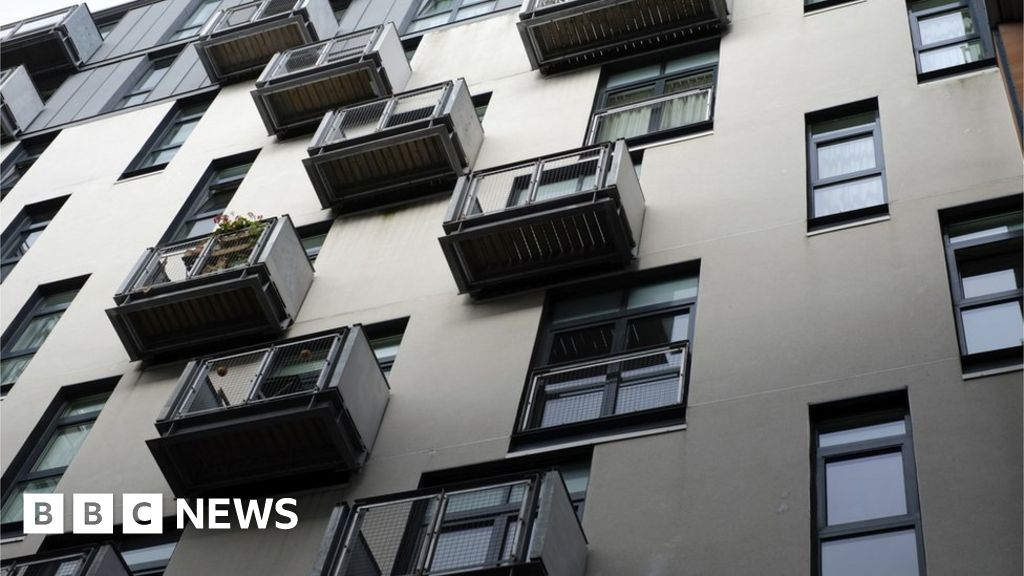 Housing cost concerns raised in Shelter Scotland survey - BBC News