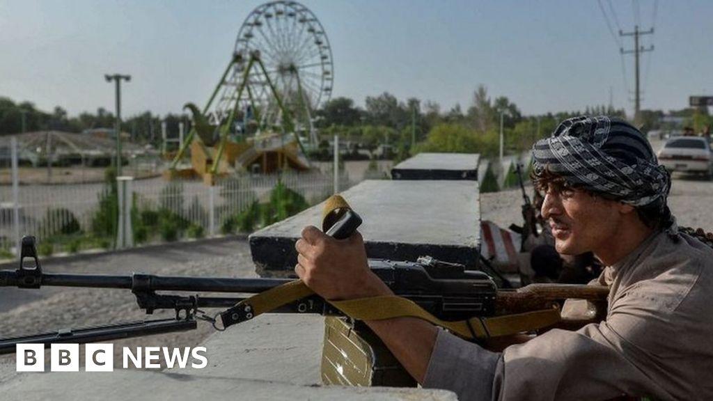 Afghanistan: Fighting rages as Taliban besiege three key cities
